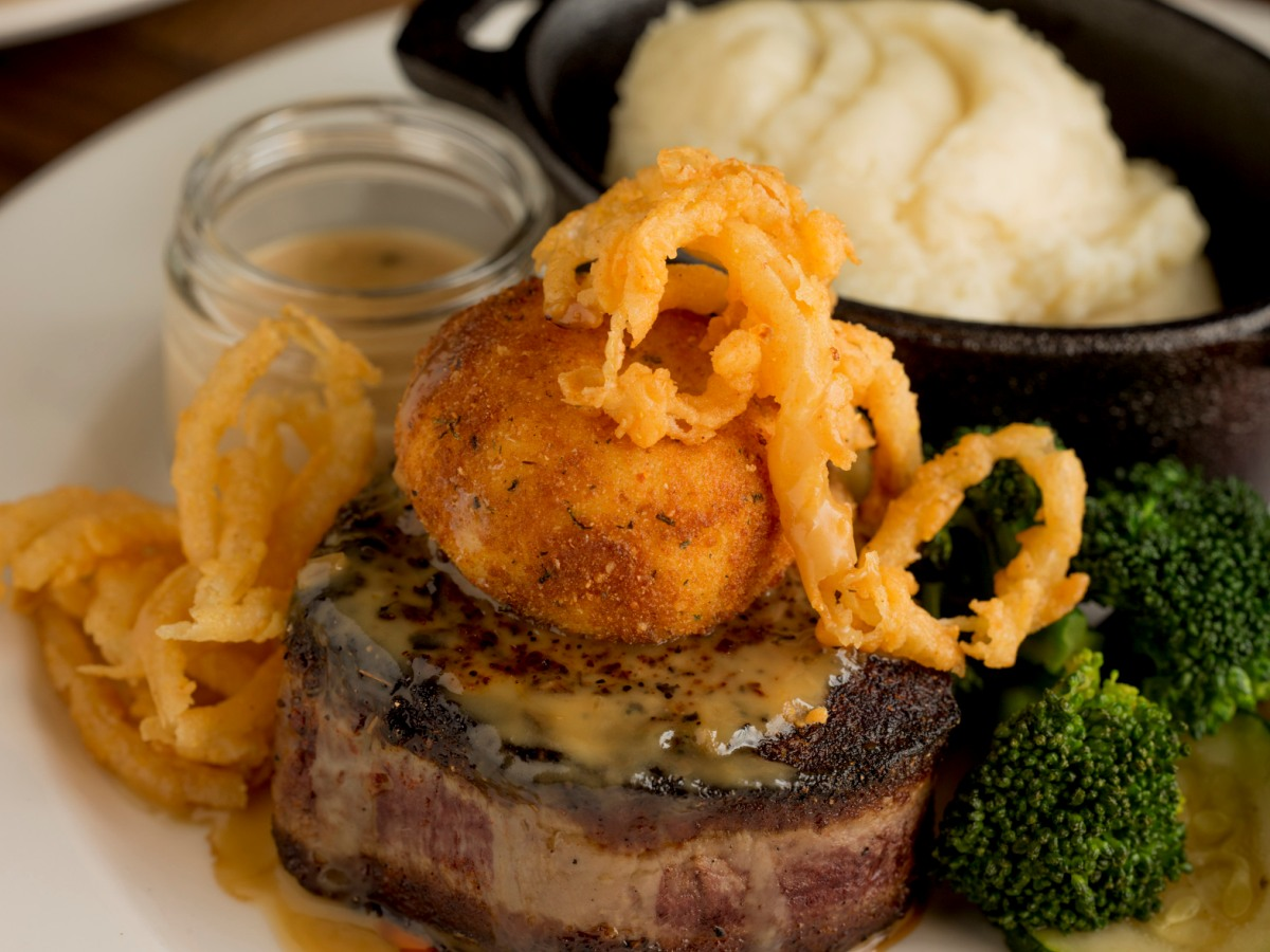 Try one of the best restaurants in Troy MI today.